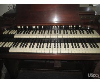 Продам недорого орган Хаммонд Д3