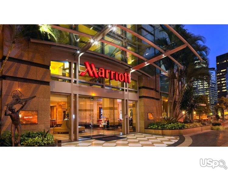 B гостинице Marriott требуются мужчины и женщины