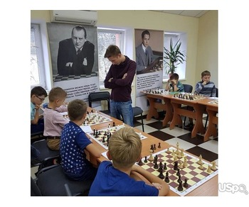 Bortniks School of Chess. Шахматная школа в Майами.